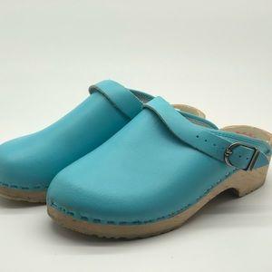 Hanna Andersson aqua blue turquoise clogs sz 39 9